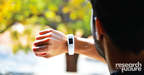 Wearable health tracking device